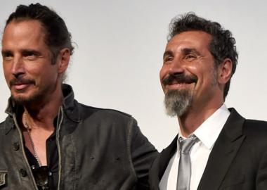 Serj Tankian entregará prêmio em homenagem a Chris Cornell