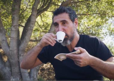 Serj Tankian vai lançar sua própria marca de café