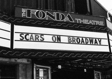 Após 6 anos longe dos palcos, Scars on Broadway confirma show