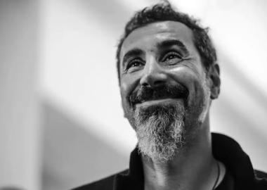 Serj Tankian irá lançar novo EP de rock em carreira solo