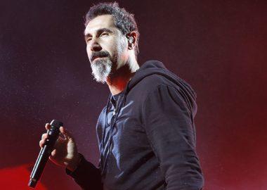 Serj Tankian grava participação em novo álbum da banda O.R.k.