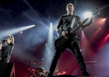 'Diferenças criativas' dificultam novo álbum do System of a Down, diz Shavo Odadjian