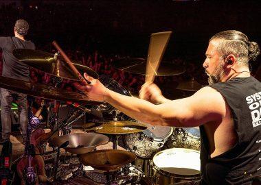 John Dolmayan: System of a Down tem um novo álbum escrito, mas nunca será lançado